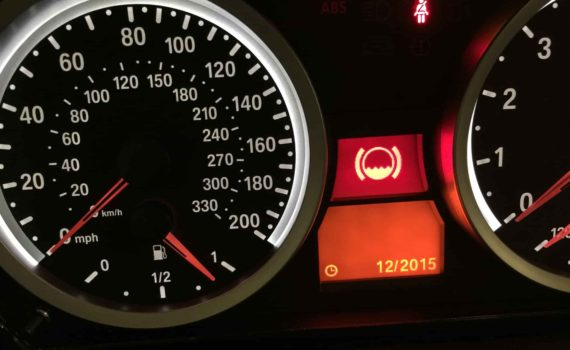 how to change brake fluid bmw